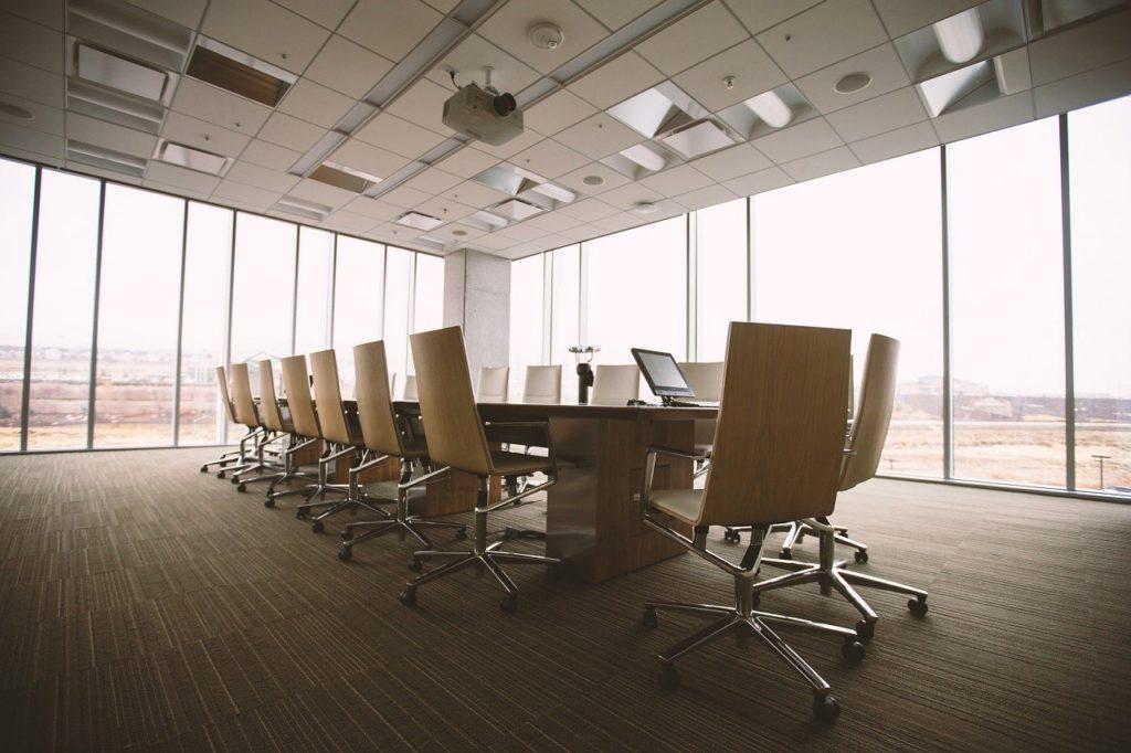 公務員の不動産投資を法人化するメリットとデメリット