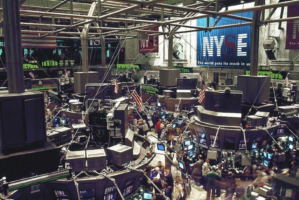 公務員の資産運用に株式投資はどうだろう?